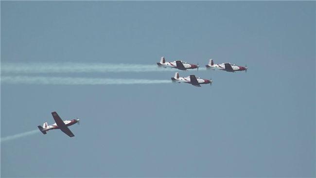 Gisteren heeft de Israëlische luchtmacht zijn traditionele vliegschow gehouden, zoals dat tijdens elke Onafhankelijkheidsdag gebeurt. In deze video kunt u de vliegkunst van het acrobatische showteam van de luchtmacht bewonderen.