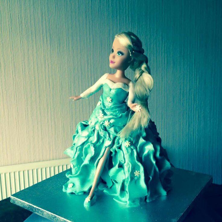 Elsa Frozen cake - croston cakes