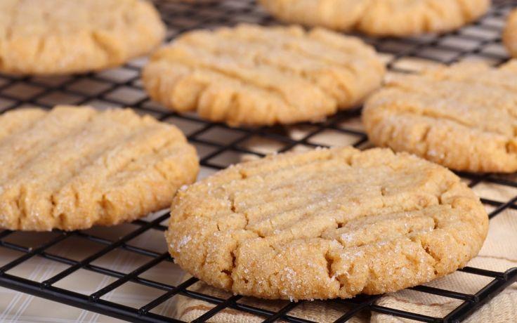 Keksit voit valmistaa maun mukaan pyöreiksi tai viipaleiksi.