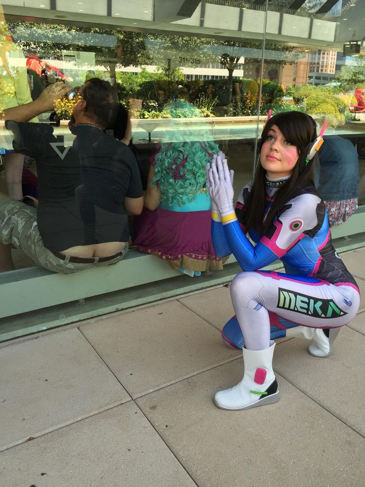 D.Va giving tributing to one of reddit's most upvoted posts. Crackstyle.