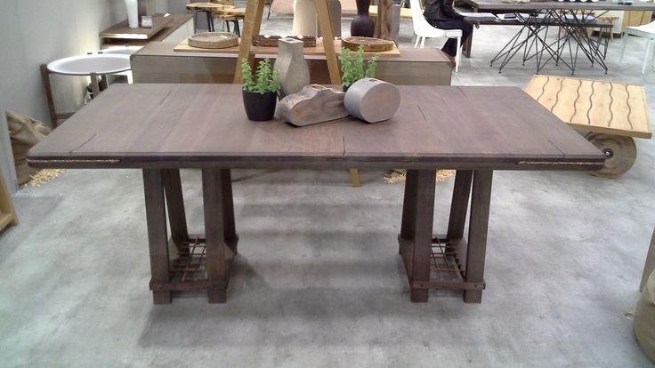 Table Logan