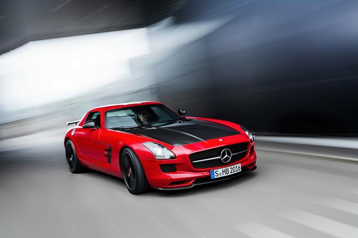 The grand finale: the SLS AMG GT FINAL EDITION brings an impressive era to an end in exclusive style. The FINAL EDITION model, built in a limited run of just 350 units, reflects the unrivaled success story and unique scope offered by the first vehicle to be completely built by Mercedes-AMG.