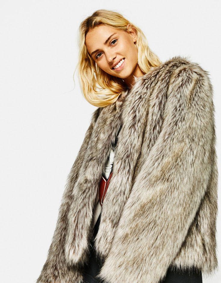 Cropped faux fur coat - Kabátok - Bershka Hungary