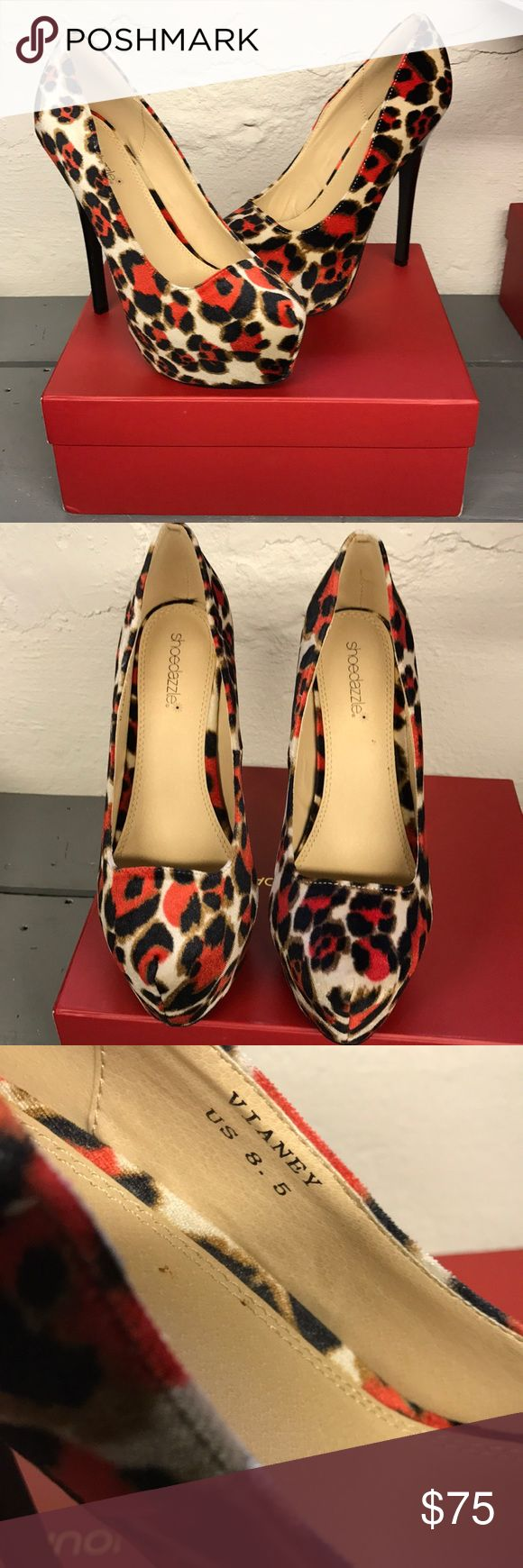 🆕Shoe dazzle red black leopard stiletto pumps The absolute perfect he'll for all of your holiday parties! Would look incredible with a red dress. Brand new never used stunning heels 2 inch platform make for a very comfortable fit. Shoe Dazzle Shoes Heels