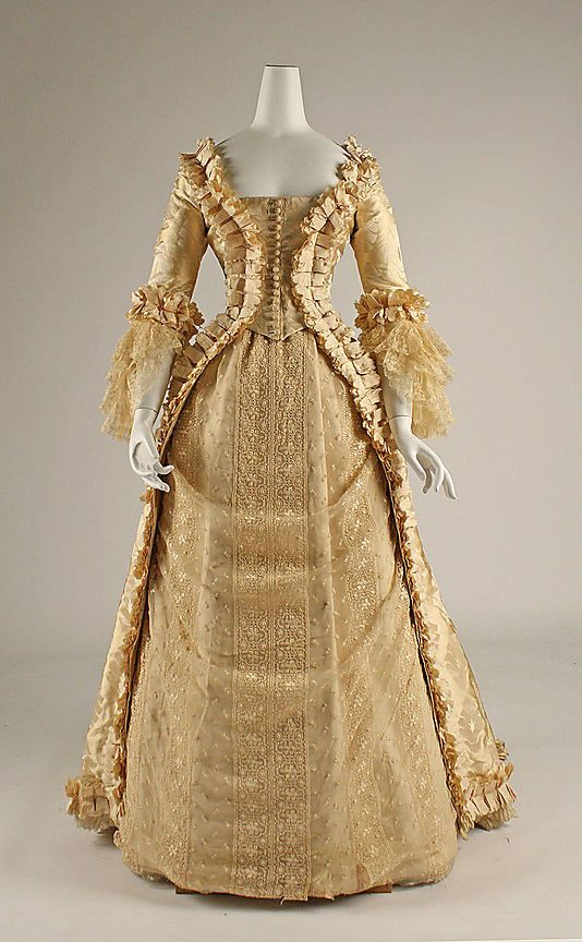 Wedding Dress 1880 American Made Of Silk