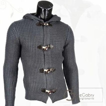 Lavorazione a Trecce con cappuccio e Alamari per il #Cardigan uomo in Lana nei colori Grigio Scuro, grigio chiaro, beige e blu. http://www.alegabryabbigliamento.com/11-maglie-uomo-maglioni