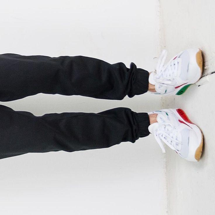 HASHTAG STREETWEAR HASHTAG STYLE  HASHTAG HIPSTER #reebok #ventilator #supreme #adidas #boy #men #polishboy #kocham #uklad #na #trzy #vsco #vscocam #sneakers #casio #yolo