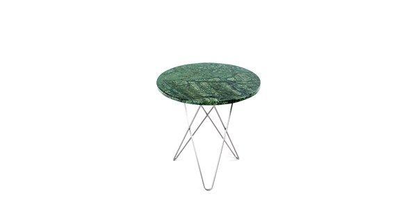 Tall Mini O Table bordsskiva i grön marmor, Indio och stativ i rostfritt stål. Tall Mini O Table av Dennis Marquart för OX Denmarq ingår i en stilren serie soffbord med runda bordsskivor i marmor, glas eller ek. Lika snygga att placera ensamma som i grupp, som soffbord eller sidobord.