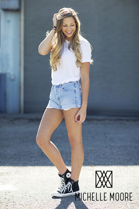 Summer Senior Style Ideas for the Class of 2014! SO CLASSIC! White tee, cut-off denim shorts and converse! Don't forget your favorite delicate necklace to complete the look. Sarah / Class of 2014 / Photo, Michelle Moore