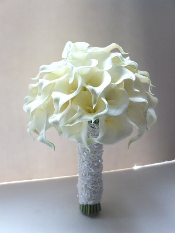 Ivory Calla Lily Bouquet with lace handle