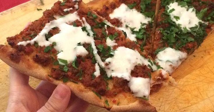 Receta de Lahmacun: la pizza turca que te va a encantar