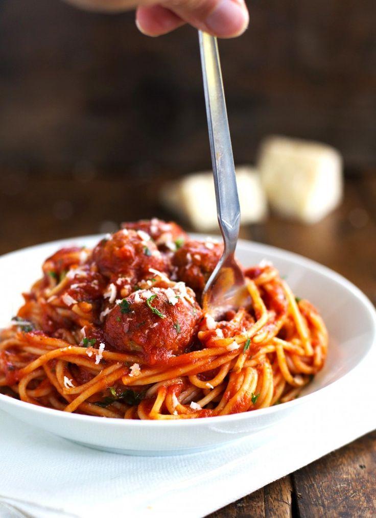 Skinny Spaghetti and Meatballs | pinchofyum.com