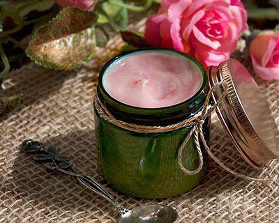 Рецепты домашней косметики (фото 1): Розовый крем (облегчённая версия) - aromashka.ru