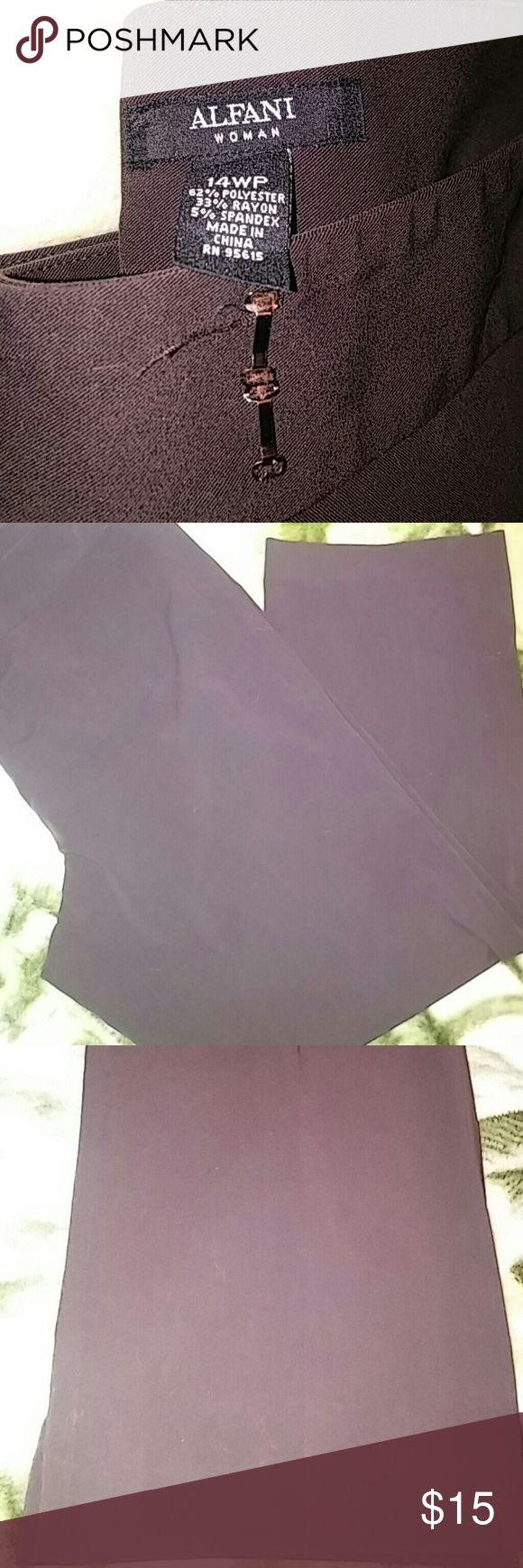 Womans slacks Womans Brown slacks. In good condition. Dark Brown. Alfani Pants Trousers