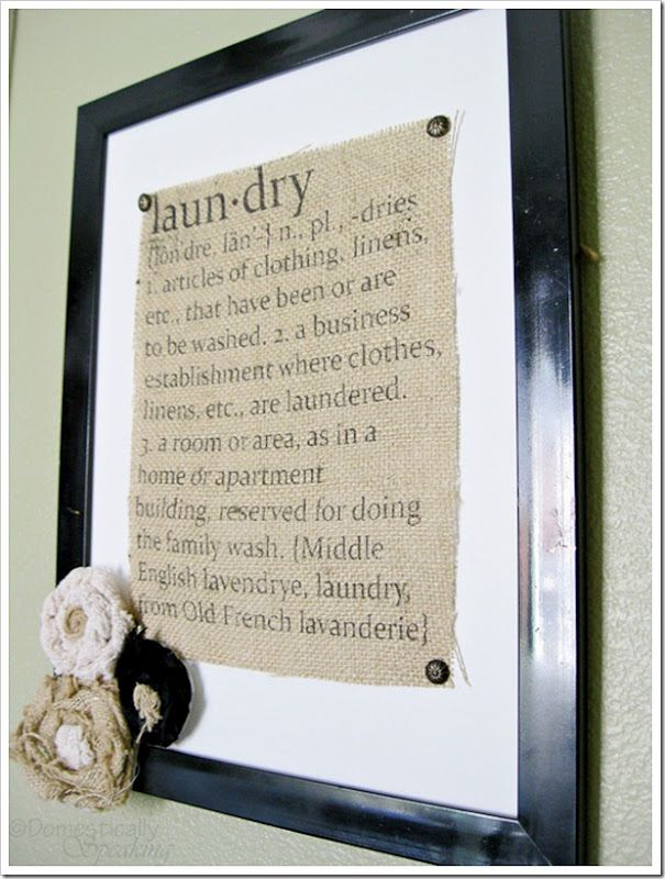 How to print on burlap...wish I had seen this in April -.-Freezers Paper, Burlap Laundry, Design Interiors, Burlap Crafts, Interiors Design, Laundry Rooms, Burlap Signs, Room Art, Laundry Signs