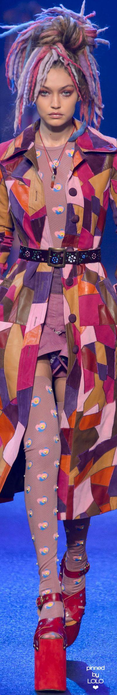 Gigi Hadid for Marc Jacobs Spring 2017 RTW | LOLO❤︎