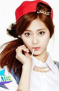 Pann : The visual of JYP trainee Tzuyu 1. [+88, -36] Twice, hurry up and debut to dominate the girl group world! There aren't a...