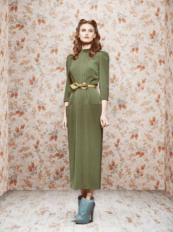 Ulyana Sergeenko, F/W 2011: Army Green Dresses, Sergeenko Fall, Style, Ulyana Sergeenko S, Vintage Fashion, Belt, Fall Fashion, Fairytale, Fall 2011
