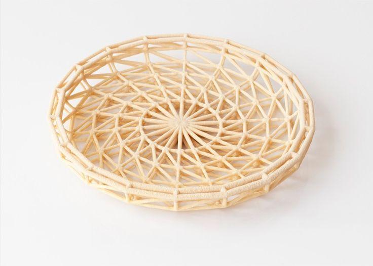 A(構造)とB(意匠)が分離されているパターン。しかもBは自然現象というロマン付き。 ラウラ・リン・ヤンセン&トマ・ヴァィリー CaCO3—Stoneware / Laura Lynn Jansen & Thomas Vailly — Medium