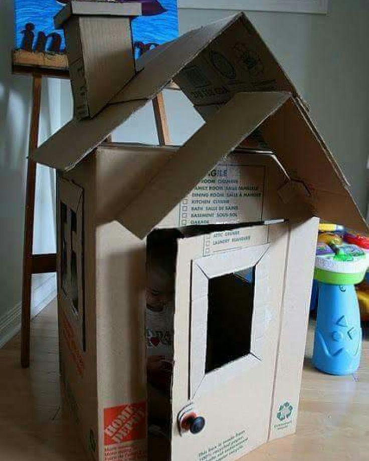 Caixas de papelão, materiais recicláveis, tesoura, fita adesiva e faz de conta = a castelos ou casinhas divertidas. Brinque, pratique Filhoterapia você também!