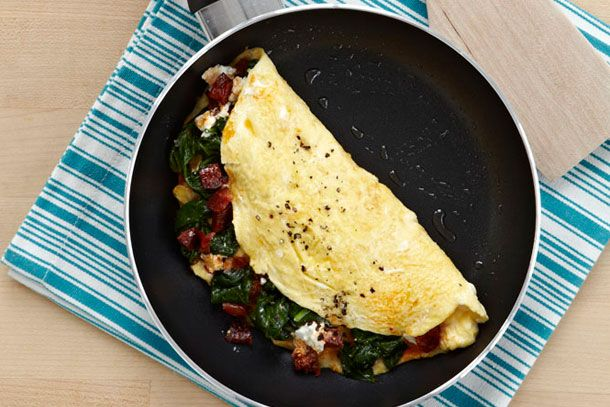 IMUSA Egg White Omelet with Spinach, Chorizo and Goat Cheese Recipe