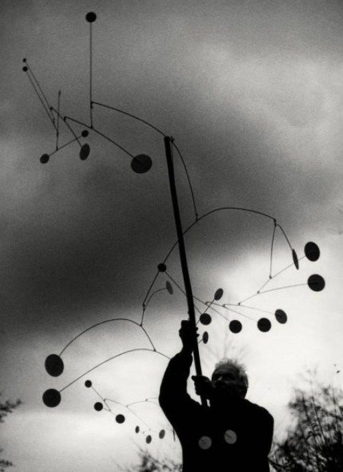 bremser:  Ugo Mulas, Alexander Calder with Snow Flurry, 1963