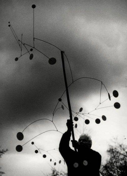 last-picture-show:  Ugo Mulas, Alexander Calder with Snow Flurry, 1963