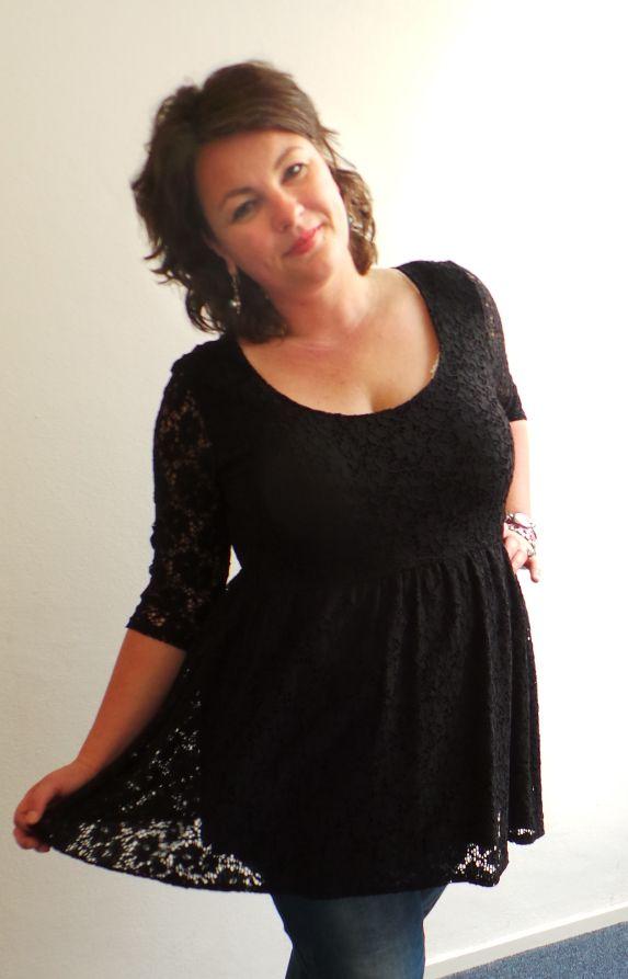 Curve Collective, Stylicious, zwart stretch jurkje tuniekje, grote maten mode, plus size