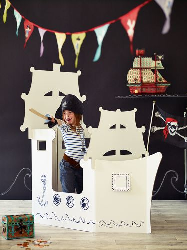 Giant Cardboard Pirate Ship - ships to Australia