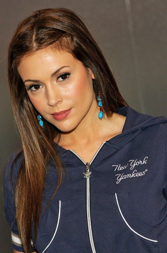 298 best images about alyssa milano on pinterest the for A la mode salon brooklyn