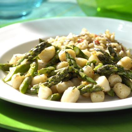 Scallops and Asparagus Sauté with Lemon and Thyme