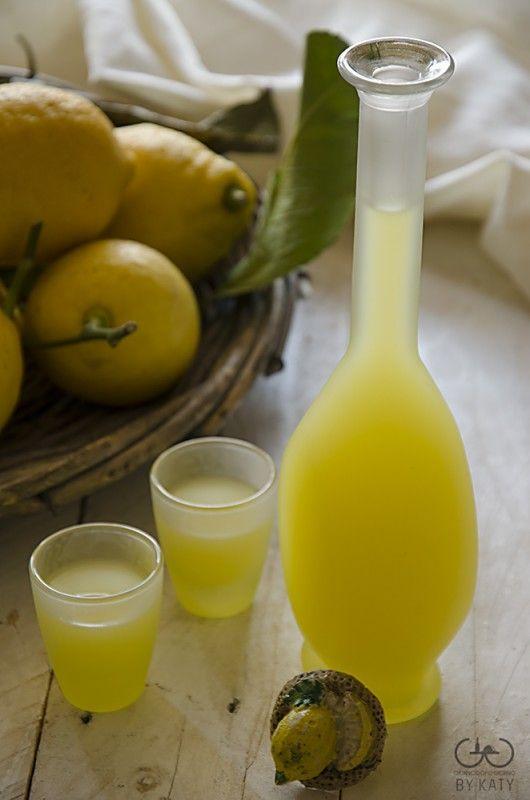 Limoncello homemade con limoni della costiera amalfitana