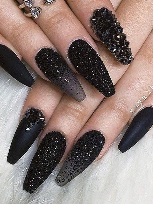 Beautiful Black Matte Nails Glitter Black Nails And Black Crystal Nails Design Black Nails With Glitter Black Nail Designs Matte Nail Art