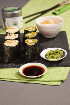 Low-Carb-Maki-Sushi mit Matcha-Wasabi