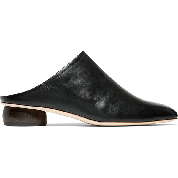 Rejina Pyo Gaby leather mules (9,885 MXN) ❤ liked on Polyvore featuring shoes, black, black slip on shoes, slip on mule shoes, leather mules shoes, black mules and leather mules
