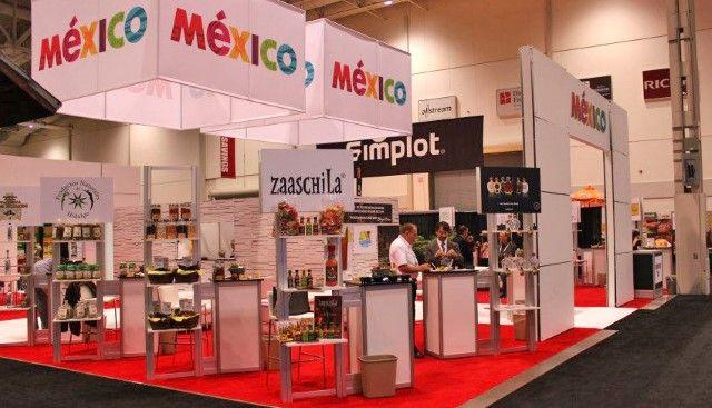 Las compañías ofertarán durante tres días productos como carne de res, aguacate, melón, limón, tomate, chía, dátiles, tequila, entre otros México, D.F., 03 de marzo de 2015.- Como parte del objetivo de abrir y consolidar nichos de mercado para productos agroalimentarios mexicanos, 70 agroempresas mexicanas participarán en la feria FOODEX 2015, a realizarse del 3Read More