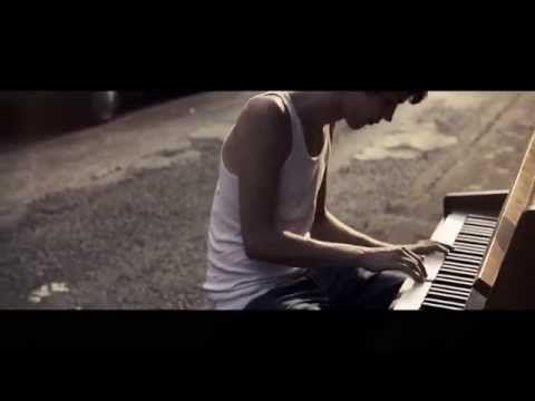 Barfuß Am Klavier - AnnenMayKantereit (Live in Berlin) - YouTube