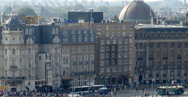 Skylounge Hilton Double Tree uitzicht over het Centum van Amsterdam