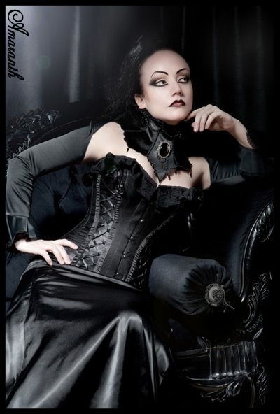 Goth ~~ For more:  - ✯ http://www.pinterest.com/PinFantasy/lifestyles-~-gothic-fashion-and-fantasy/