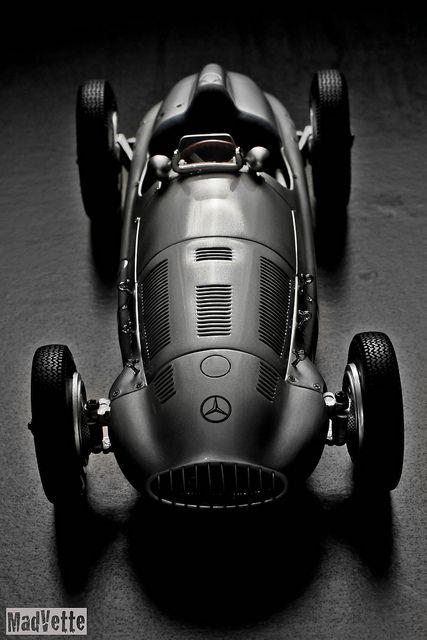www.olimpiacarroceros.es  Tu taller de confianza  Mercedes W165