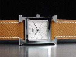 Hermes H-our Ladies - Ref. HH1.210.260 Cassa 21X21mm in acciaio con vetro zaffiro Cinturino in pelle con fibbia in acciao Movimento al quarzo
