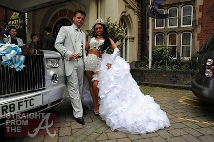 10 UGLIEST Celebrity Wedding Dresses EVER - YouTube