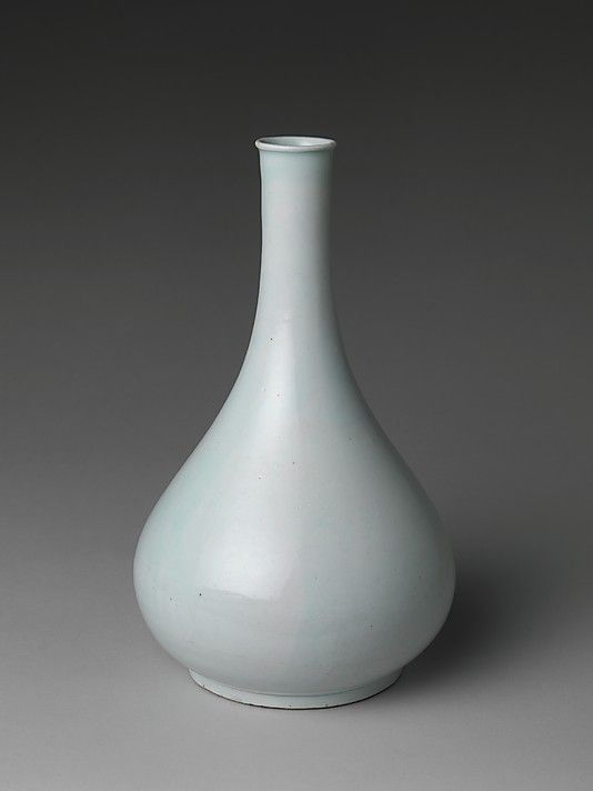 Bottle | Joseon dynasty, first half of the 19th century | Korea | Porcelain | This bottle's clean, simple silhouette and unadorned surface accentuate the essence of Joseon porcelain: restrained elegance.