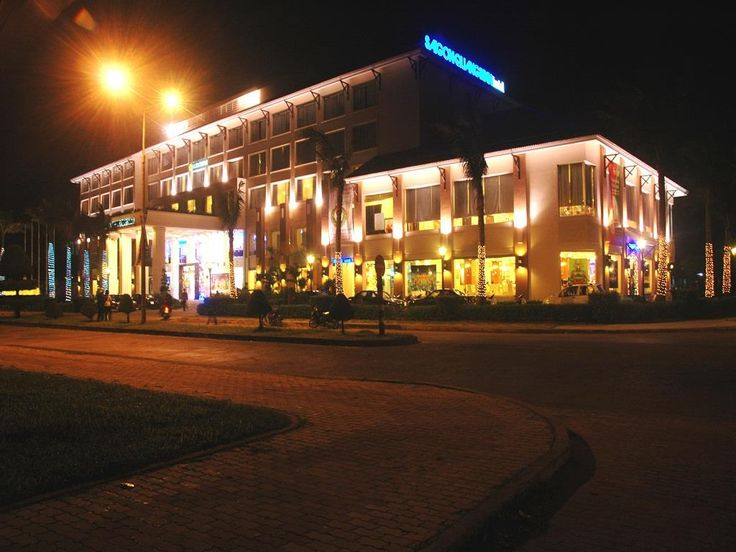 Dong Hoi (Quang Binh) Saigon Quang Binh Hotel Vietnam, Asia Set in a prime location of Dong Hoi (Quang Binh), Saigon Quang Binh Hotel puts everything the city has to offer just outside your doorstep. The hotel offers a high standard of service and amenities to suit the individual needs of all travelers. Service-minded staff will welcome and guide you at the Saigon Quang Binh Hotel. Each guestroom is elegantly furnished and equipped with handy amenities. The hotel's peaceful at...