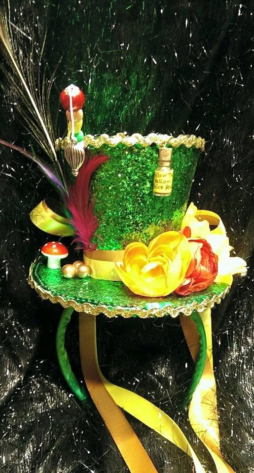 Wizard of Oz Emerald City Steampunk Mini Top Hat от Mad4Hats