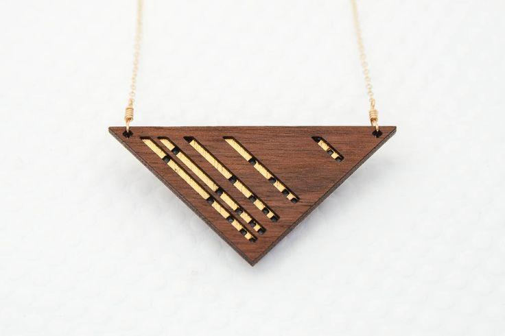Luxe gelaagde driehoekige walnoten hout ketting door birdofvirtue