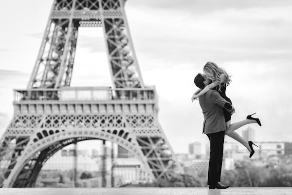 Announcing the Junebug Weddings 2014 Love Around the World – Best of the Best Destination Photography Contest! And congratulations to Fran for his super-playful Eiffel Tower photo, which simply continues to spread happy vibes around the globe.