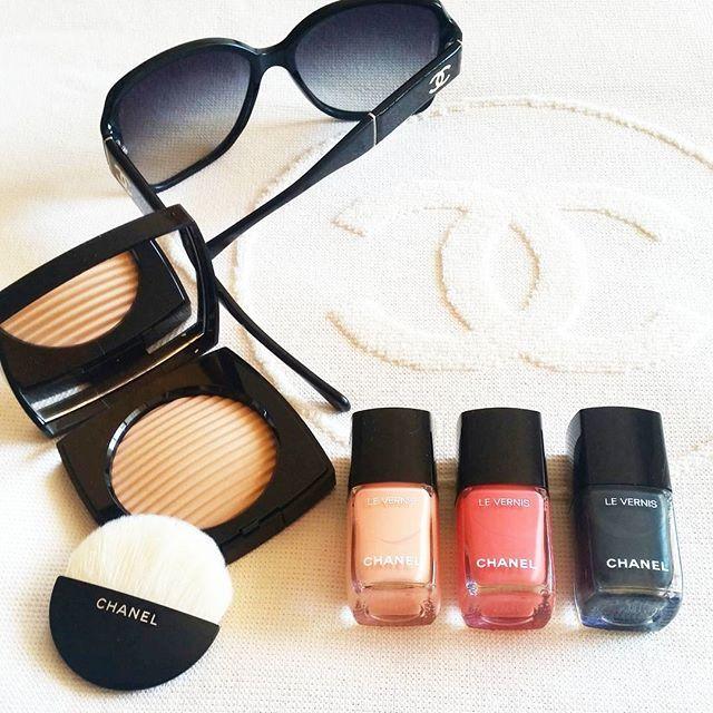 Pronta per partire con la meravigliosa 2017 CRUISE COLLECTION - Les Indispensables de l'Été de @chanelofficial ❤ #cruisecollection #chanelmakeup  #chanel #beautymarinad #beautyeditor #beautyblogger #beautynews #beauty #niche #luxury#perfume #love #perfumeblogger #perfumeaddict
