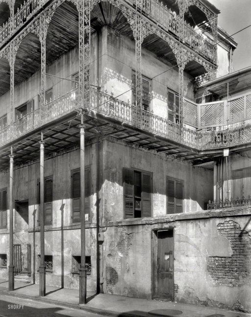 moldy manse 1937 new orleans 1937 le pretre mansion 716 dauphine street built 1835 6. Black Bedroom Furniture Sets. Home Design Ideas
