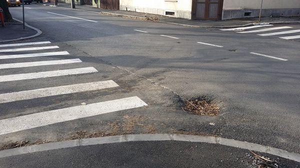 Strada Fraţii Goleşti din Craiova a fost asfaltata si se pare ca lucrarea este finalizata, din punctul de vedere al  constructorilor.